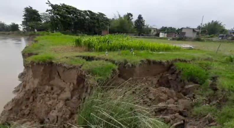 पूर्णिया: मानसून की पहली बारिश में ही कटाव का दंश झेलने पर मजबूर बायसी