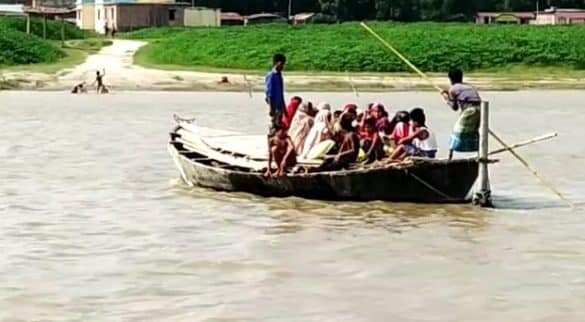 People in this Bihar town are living with the help of boat